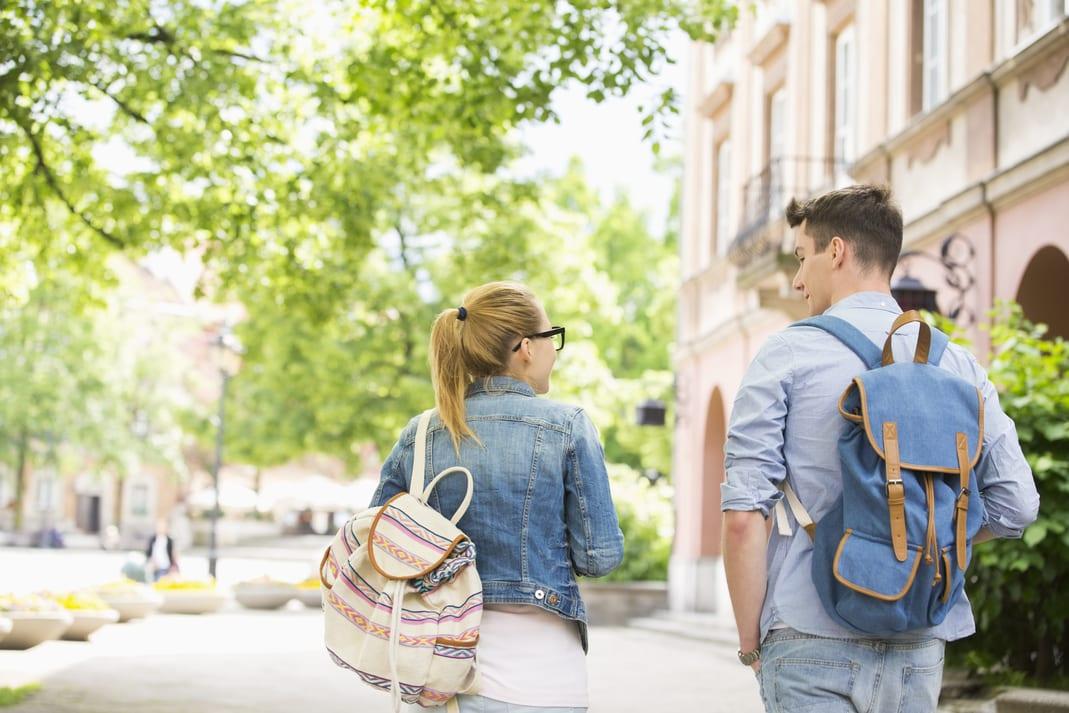 absolvent skoly a prvozamestnanec